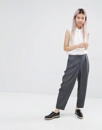 Oversize-брюки в строгом стиле Monki - Серый меланж