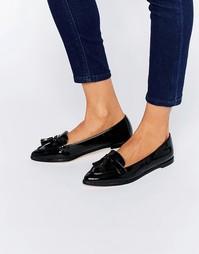 Остроносые туфли на плоской подошве с кисточками Carvela Magnum