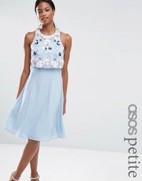 Платье миди с цветочной 3D отделкой на кроп-топе ASOS PETITE - Синий