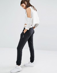 Классические легкие трикотажные брюки с логотипом Reebok - Черный