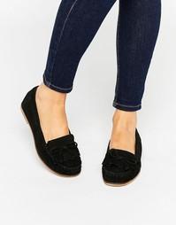 Замшевые туфли на плоской подошве под мокасины Carvela