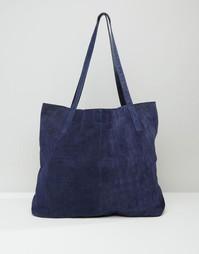 Замшевая сумка-шоппер с отделкой под кожу крокодила ASOS - Темно-синий