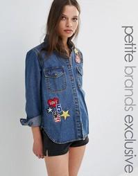 Джинсовая oversize‑рубашка с нашивками Glamorous Petite - Синий