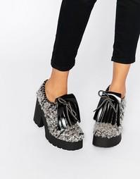 Серые туфли на каблуке EEight Janis - Серый
