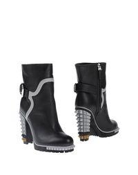Черные Полусапоги и высокие ботинки Fendi