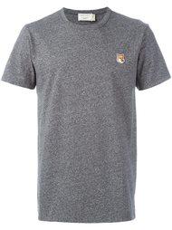 футболка с вышивкой логотипа Maison Kitsuné