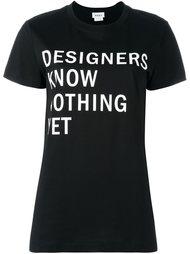 футболка с принтом надписи DKNY