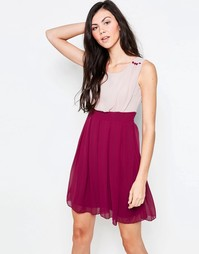 Короткое приталенное платье расцветки колор блок Jasmine - Красный