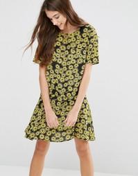 Свободное платье с цветочным принтом YMC