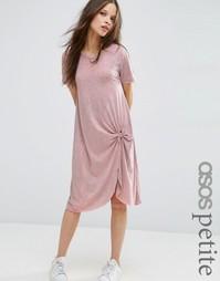 Платье-футболка в стиле casual с узлом спереди ASOS PETITE - Розовый
