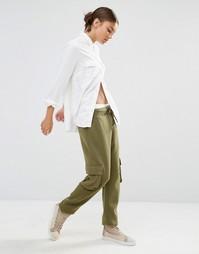 Трикотажные брюки в стиле милитари с карманами на штанинах Daisy Stree