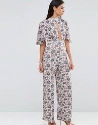Комбинезон с принтом и рукавами-кимоно Love - Цветочные обои