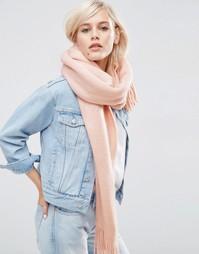 Супермягкий вязаный шарф с длинной бахромой ASOS - Розовый