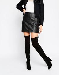 Черные ботфорты на каблуке с завязками сзади Glamorous - Black mf