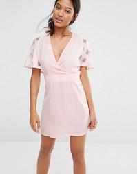 Платье с глубоким вырезом эксклюзивно для Boohoo - Blush