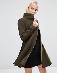 Короткое расклешенное пальто с воротником-трубой ASOS - Хаки