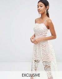 Эксклюзивное кружевное платье миди Boohoo Premium - Белый