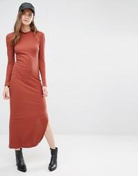 Платье макси в рубчик с высокой горловиной J.D.Y - Жженая сиена JDY