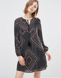 Платье с кисточками на завязках и геометрическим принтом Style London