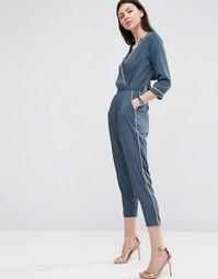 Пижамный комбинезон с запахом, контрастной окантовкой и широкими брюка Asos