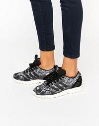 Кроссовки с принтом пейсли adidas Originals X Farm Zx Flux