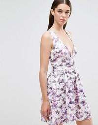 Короткое приталенное платье с глубоким V-образным вырезом Twin Sister