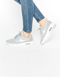 Кроссовки с серой и белой отделкой Nike Air Max Thea