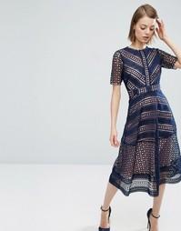Нарядное кружевное платье миди ASOS Premium - Темно-синий