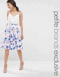 Расклешенная юбка миди с цветочным принтом Chi Chi London Petite