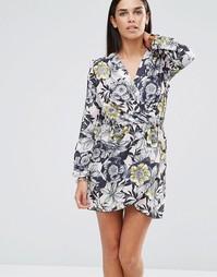 Платье с длинными рукавами и запахом Love - Телесный цветочный