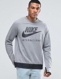 Серый свитшот с круглым вырезом Nike International 802373-091 - Серый