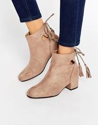 Ботинки на блочном каблуке с завязками сзади Truffle Collection Luan