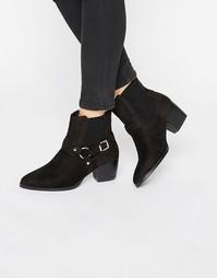 Ботинки в стиле вестерн на среднем каблуке с пряжкой Truffle Collectio