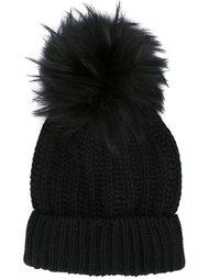 шапка с помпоном из меха енота Blugirl
