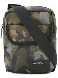 сумка на плечн с камуфляжным принтом  Diesel
