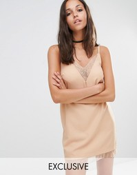 Платье-комбинация с кружевной отделкой Missguided - Телесный