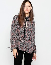 Блузка с принтом пейсли и оборкой вдоль горловины Madam Rage - Мульти