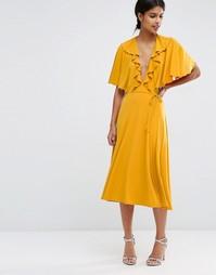 Приталенное платье миди с глубоким вырезом и кейпом ASOS - Горчичный