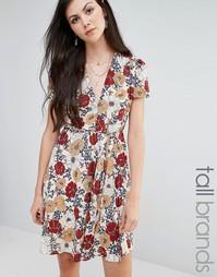 Приталенное чайное платье с цветочным принтом Glamorous Tall