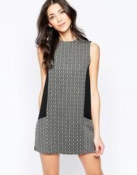 Цельнокройное платье с контрастными вставками Wal G - Мульти