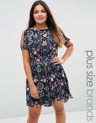Приталенное платье с открытыми плечами и винтажным принтом Lovedrobe P