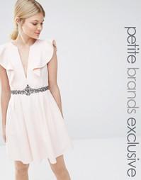 Приталенное платье с глубоким вырезом спереди Little Mistress Petite