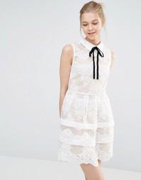 Кружевное платье мини с ярусами и контрастной отделкой Endless Rose