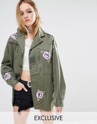 Куртка в стиле милитари с нашивками Reclaimed Vintage - Хаки