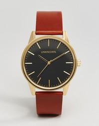Часы с коричневым кожаным ремешком и черным циферблатом UNKNOWN Classi