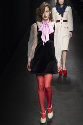Бархатное платье Gucci