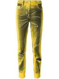 джинсы с эффектом тромплей Moschino