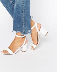 Бежевые босоножки на среднем каблуке Faith Drake - Белый