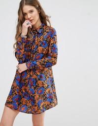 Свободное платье с высокой горловиной и сплошным принтом Glamorous