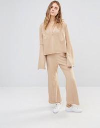 Широкие укороченные брюки из искусственной замши House Of Sunny